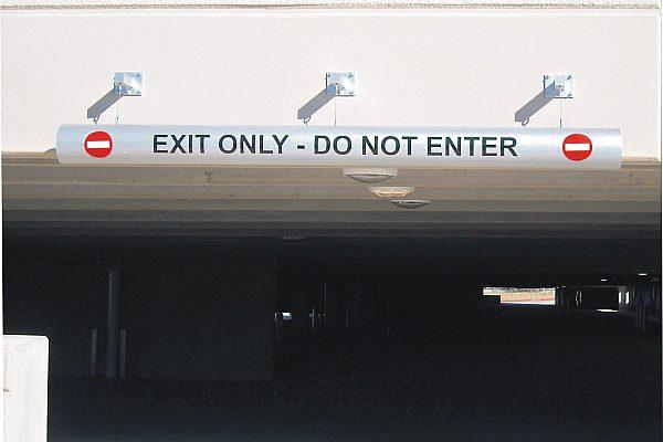 Exterior Parking Garage Signs 13 jpg