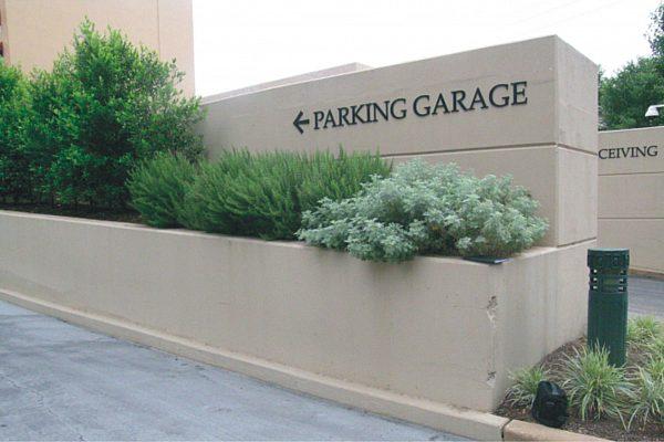 Exterior Parking Garage Signs 6 jpg